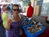 Dzień targowy w Le Guilvinec - ostrygi
