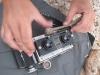 Michał naprawia stuletni aparat majorkańskim patykiem