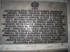 W tunelu znajduje się tablica poświęcona tragicznej śmierci generała Władysława Sikorskiego