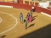 Zwycięski matador paraduje przed publicznością