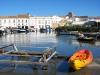 Marina dla motorówek w Faro w czasie przypływu