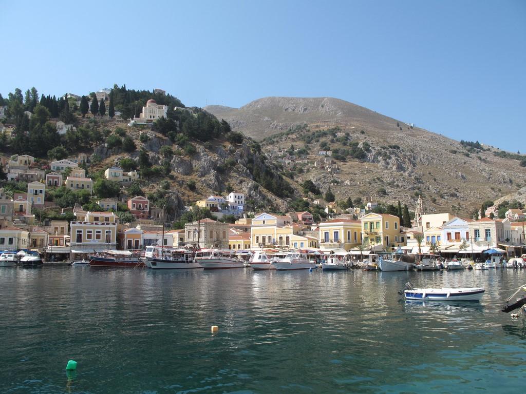Główny port wyspy Simi