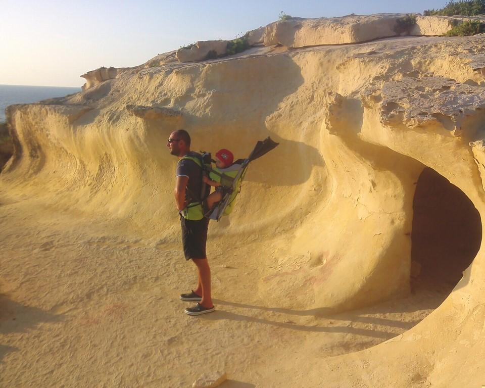 Skalne jaskienie na Gozo