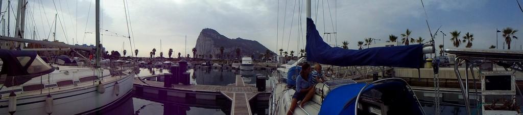 Sputnik II pod Gibraltarem panorama