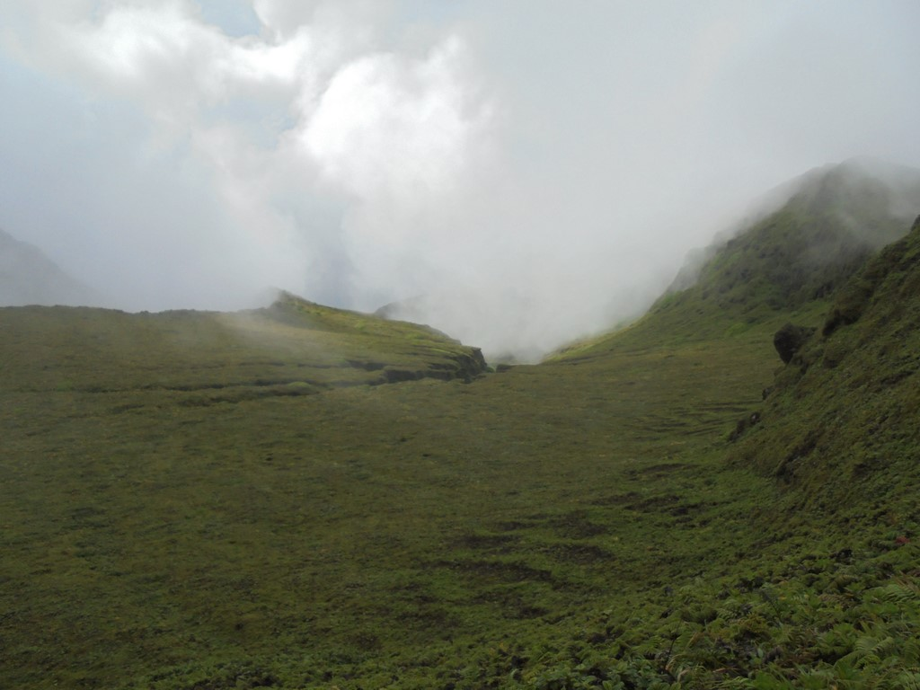 Widok ze szczytu Pele