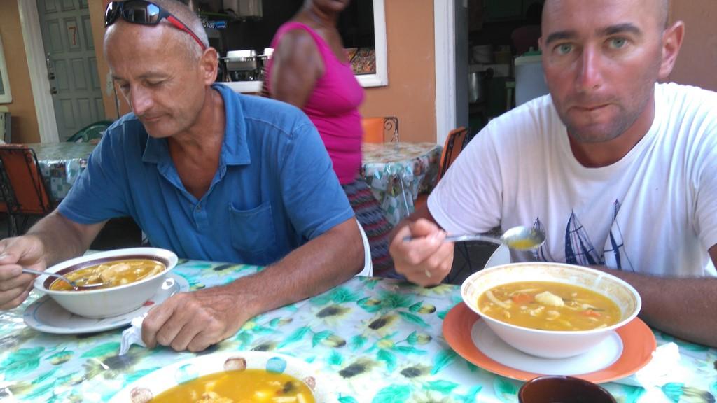 Najlepsze flaki w barze Todiego w Castries