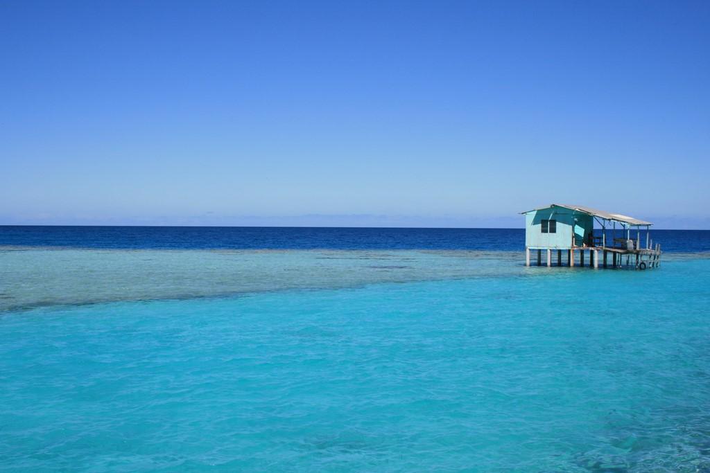 Domek na lagunie atolu Katiu