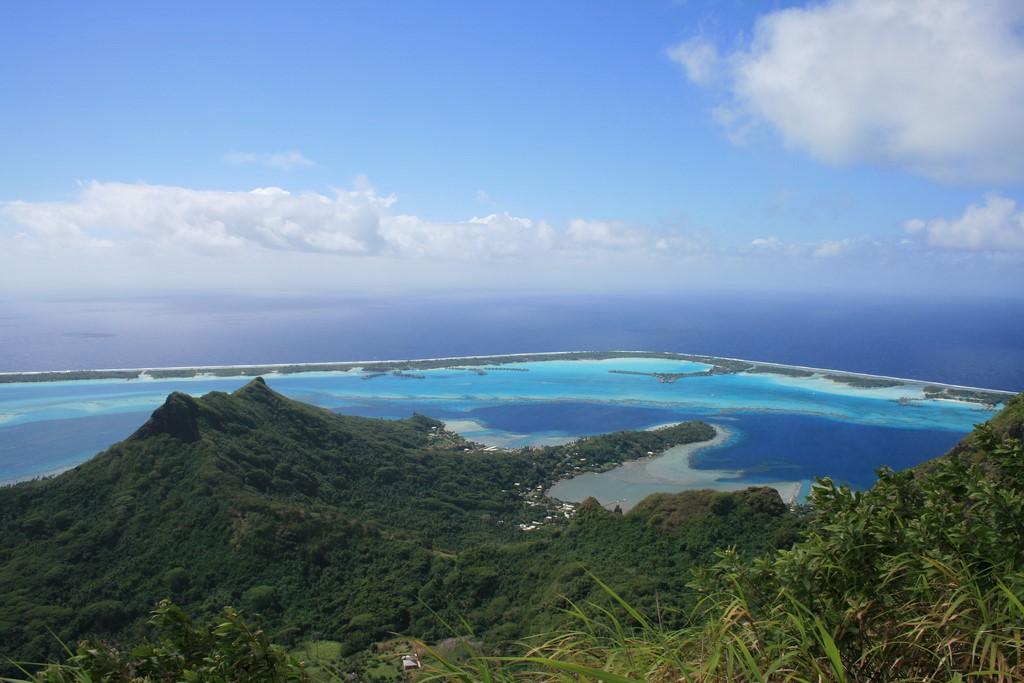 Widok ze szczytu Pahia na Bora Bora