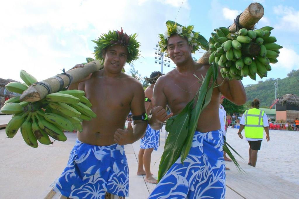 Wyścigi tragarzy bananów na Bora Bora