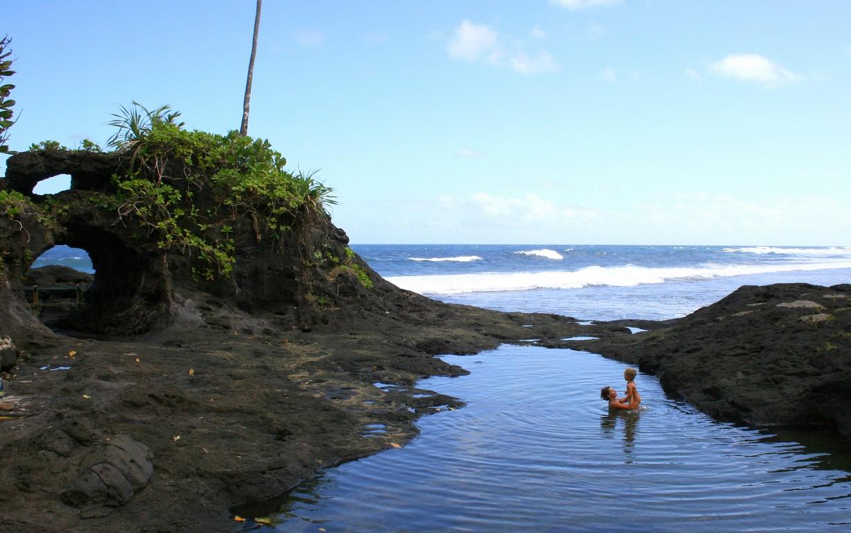 Plaża przy To Sua Ocean Trench