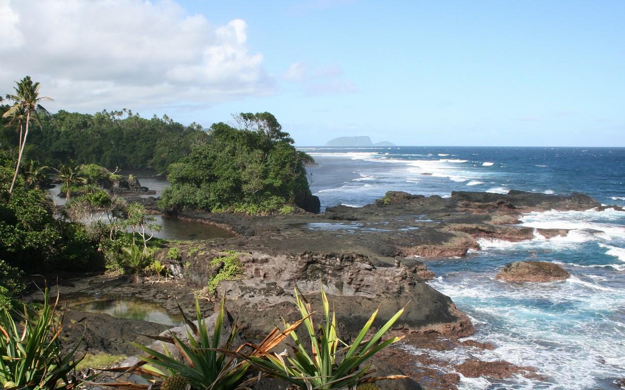 Wybrzeże w okolicy Lotofaga na Upolu