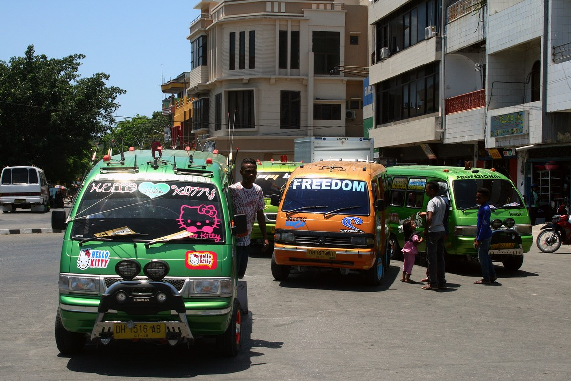 Bemo - najtańszy transport w Kupang