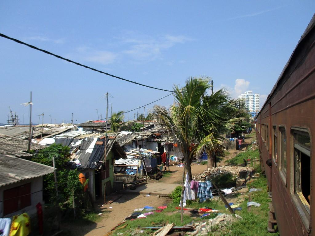 Pobocze kolei przed Colombo