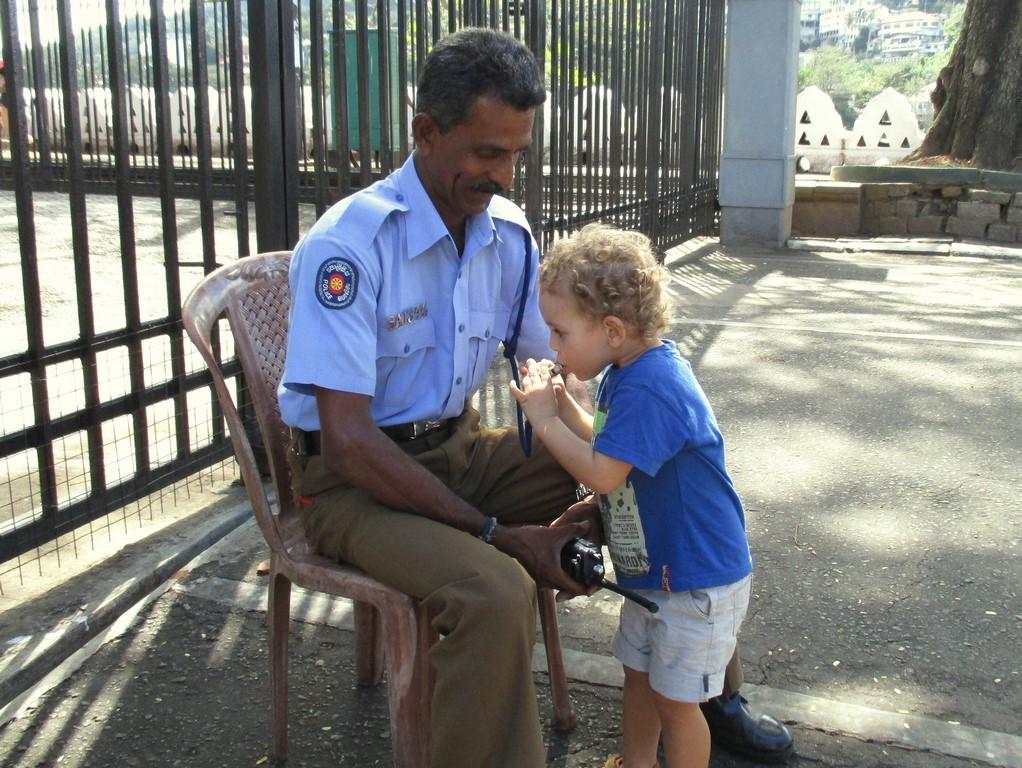 Bruno i policyjne gwizdki